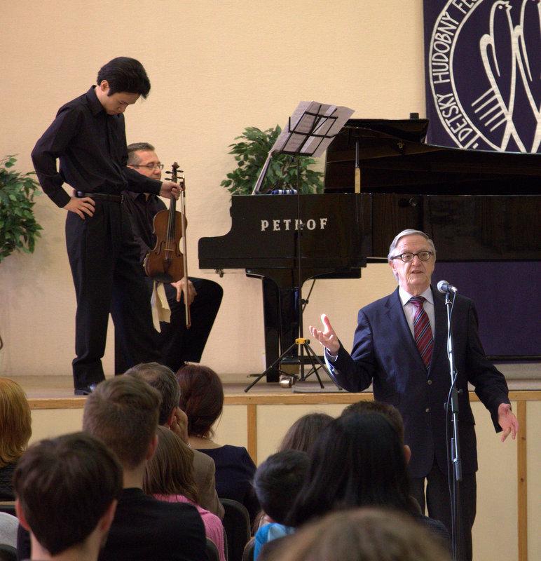 Ryohei a profesor Peter Michalica